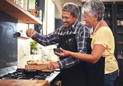 couple-cooking_485x342